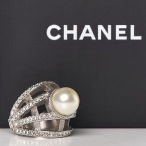 Authentic CHANEL Pearl CC Ring 6 Silver